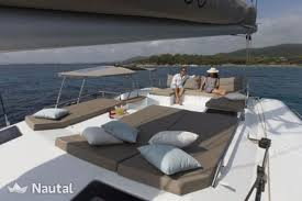 interieur catamaran saba50 location